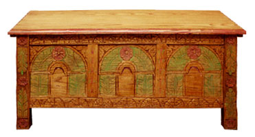 Reproduction circa 1650 blanket Chest(View larger picture)